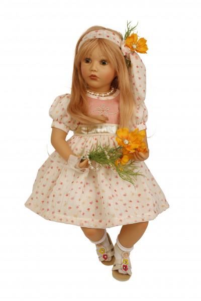 Puppe Carolina sitzend 53 cm von Sybille Sauer rotblonde Haare, Sommerkleid